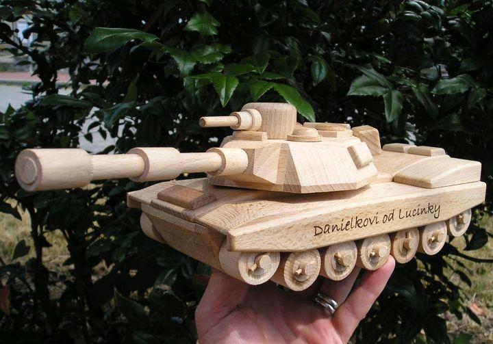 US drevený tank Abrams, drevená hračkaa-ze-dreva