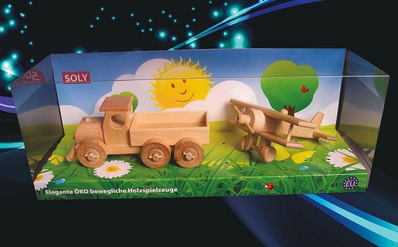Drevené hračky, nákladné autíčko + malý dvojplošník