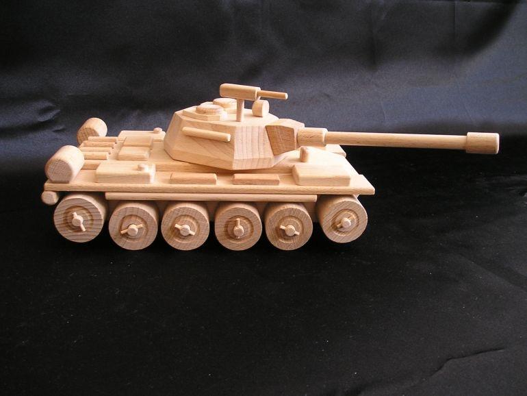Ruský tank T72 drevená hračka, pojazdný s otočnou vežou aj guľometom.ro-kluky-skvely-darecek-pod-stromecek