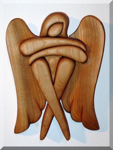 Sediaci anjel. 24 cm, drevené sošky svätých | drevený anjel strážn