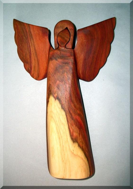 Anjeli sošky, materiál slivka, 23 cm | drevený anjel strážny