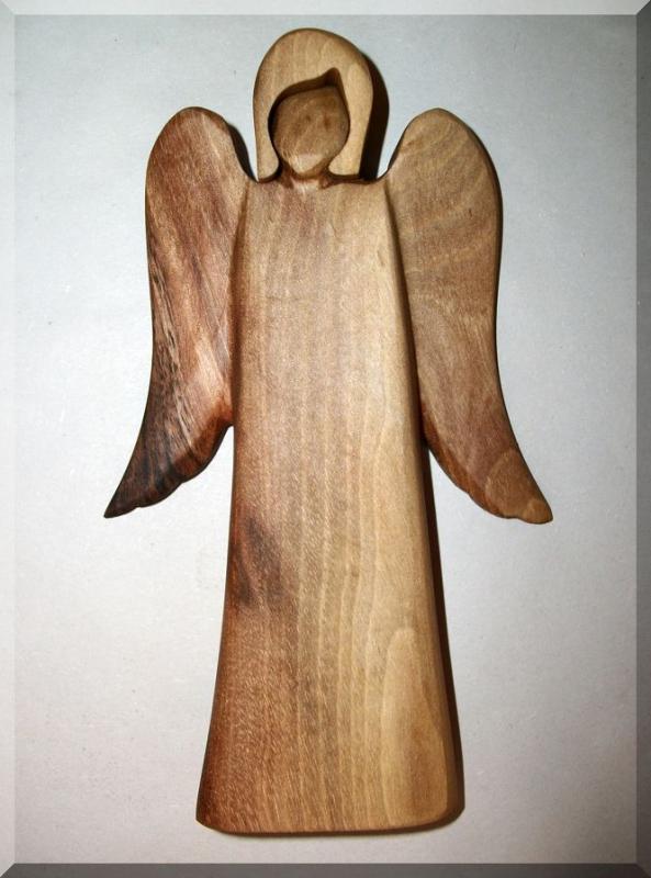 Soška Anjela, materiál slivka, 17 cm | drevený anjel strážny