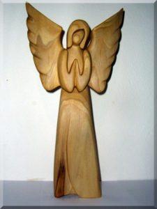 Soška, Anjel sa modlí v. 25 cm | drevený anjel strážny