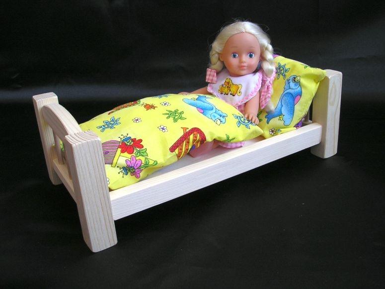 Drevená postieľka pre bábiky s perinka | drevená hračka