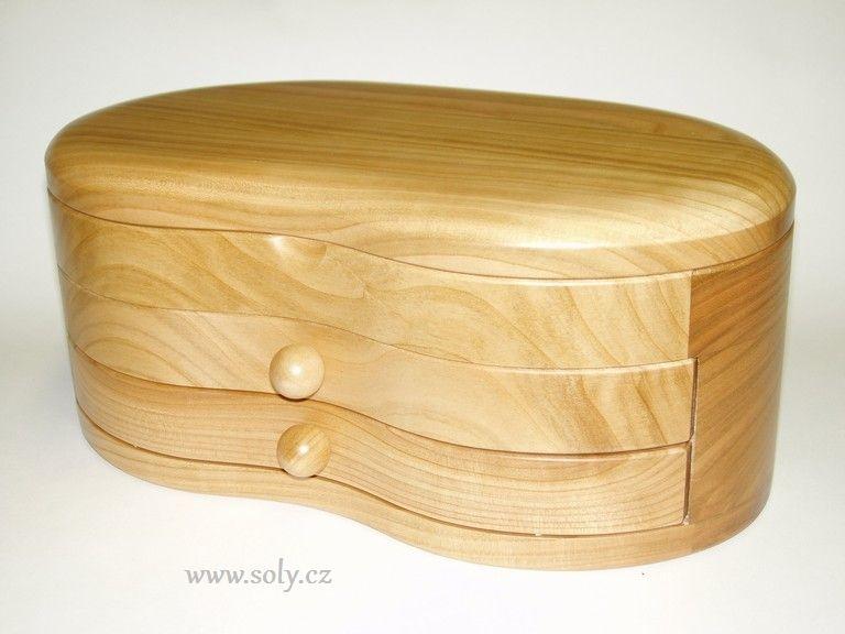 Patrová drevená šperkovnica