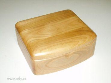 Drevená šperkovnica, svetlé drevo a krabička na šperky