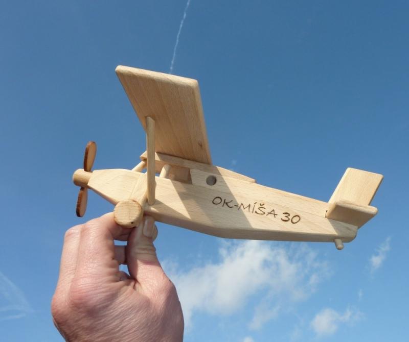 Drevené lietadlo typ Pilatus | drevené hračky