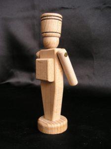 Drevený vojačik - hračky z dreva 12 cm.
