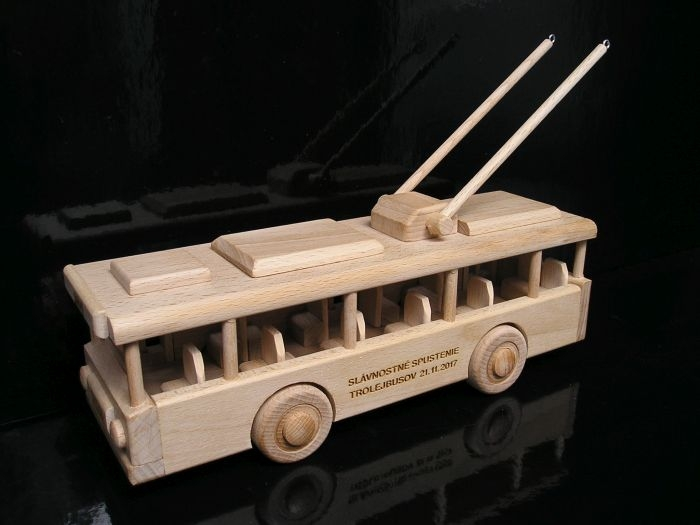 Trolejbus | drevené hračky | trolejbusy darčeky pre vodičov-hracky
