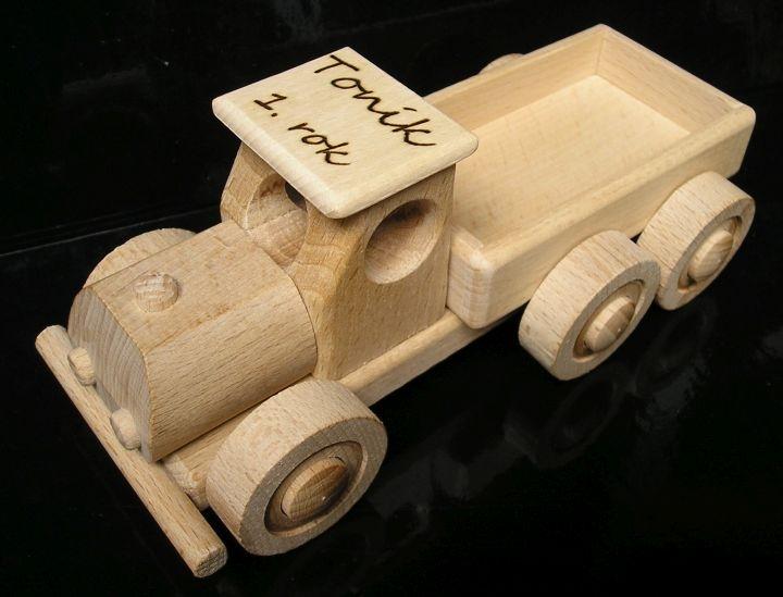 Malé nákladné autíčko | drevená hračka