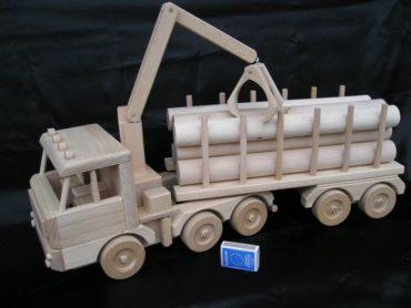 Nákladné auto   drevené hračky   darčeky pre vodičov