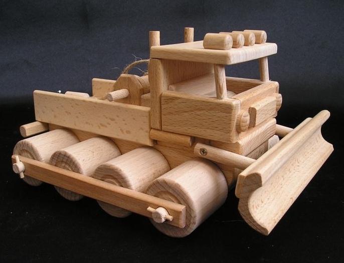 36-1198-snezna-rolba-drevene-hracky-modely