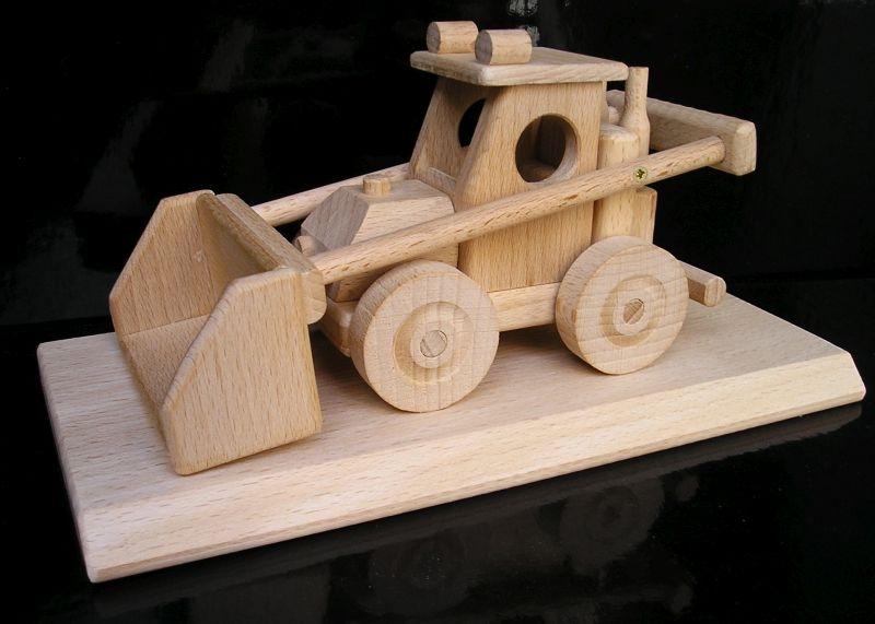 Poľnohospodársky nakladač na darčekové podstave | drevené darčeky | buldozér