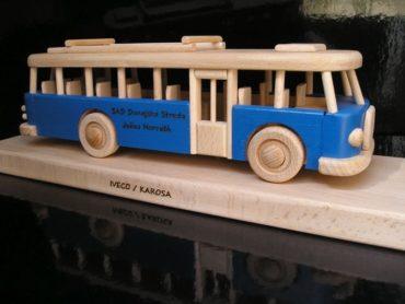 Modrý autubus, darček pre deti a vodičov autobusov