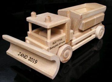 Sypač | snežný pluh | posypový voz | drevená hračka | darček