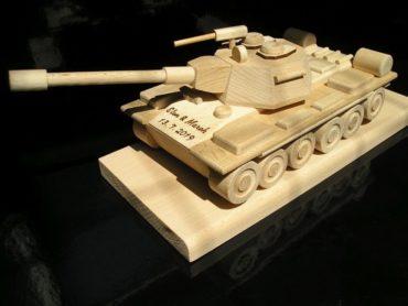 Tanky, vojenská technika, drevené darčeky a detské hračky