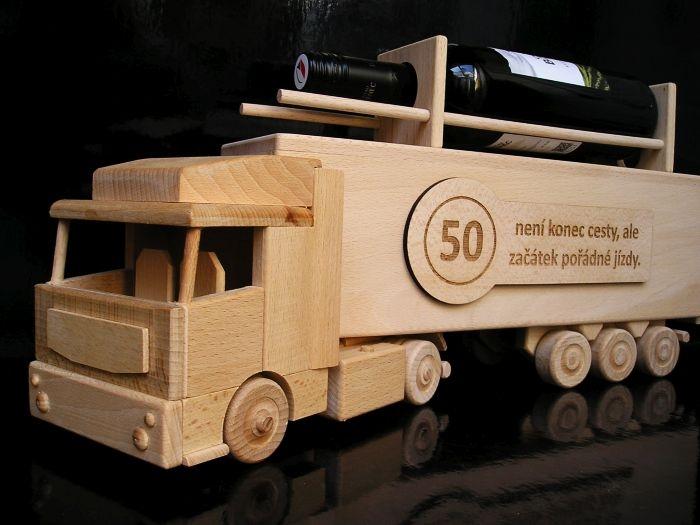 Darček k 50 narodeninám kamión   drevené darčeky a hračky