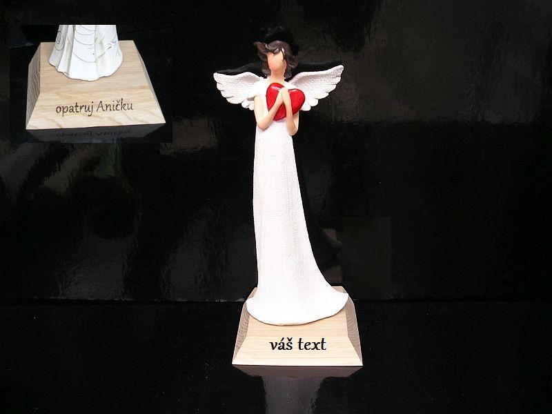 Anjel soška darček srdce | drevené darčeky