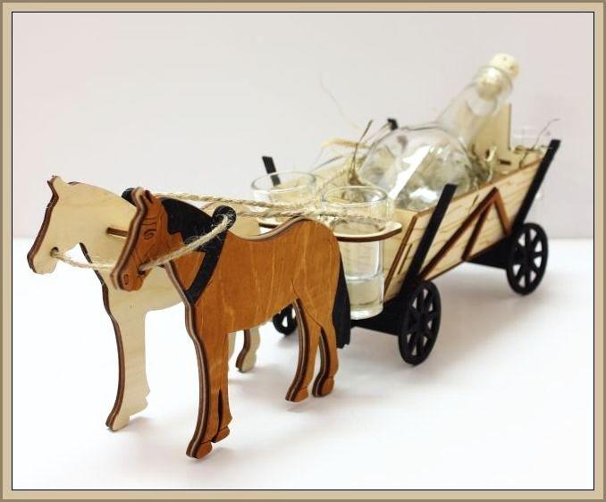 Darčekové fľaše, sklo, alkohol pre poľnohospodárov, konský povoz, kôň, kone