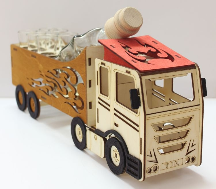 Darčeková fľaša na alklohol, sklo, kamión, truck, vodič