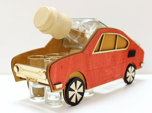Darčeková fľaša na alkohol Škoda 110 R, erko pre vodiča-erko
