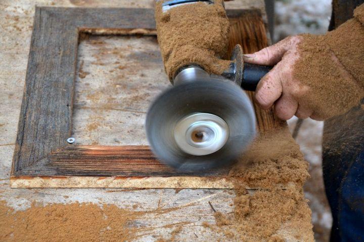 fotorámčeky sú vyrábané ručne na vysočine. Originalita každého kusu zaručená. Rámček je bez skla a zadnej steny a opierky. Má navŕtanie dierku na zavesenie na výšku.