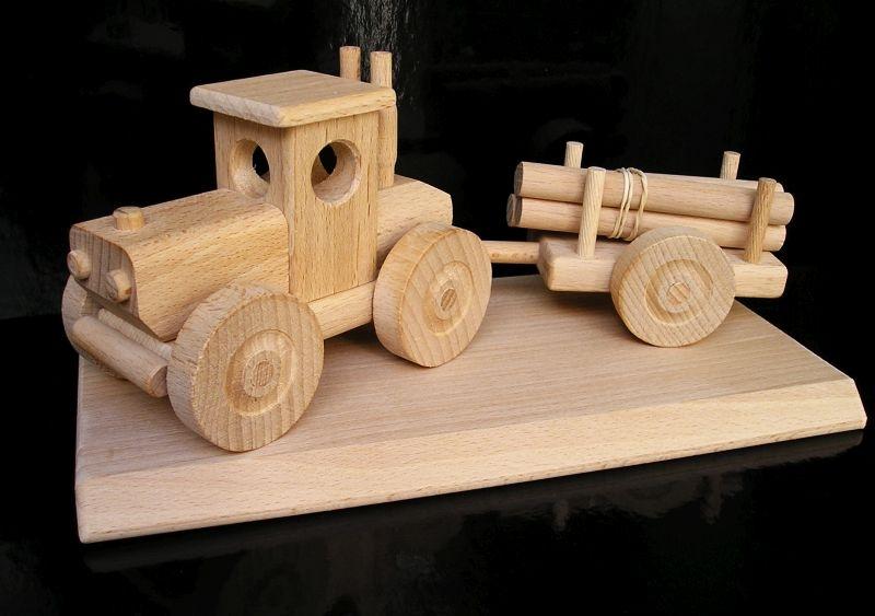 Lesný traktor   drevená hračka   drevené darčeky dárky pre vodičov