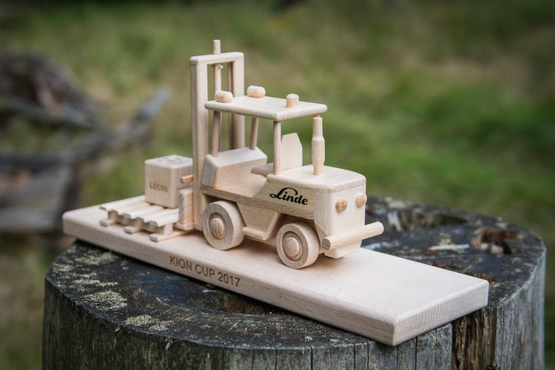 Vysokozdvižné vozíky jašterice | drevené darčeky a hračky