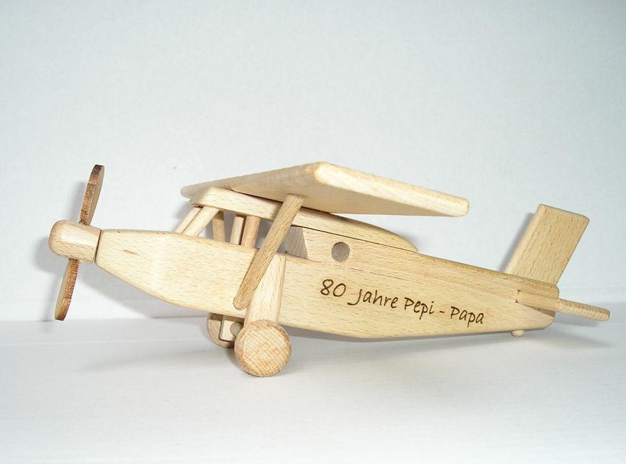Drevené lietadlo typ Pilatus | drevené hračky | darčeky pre pilotov