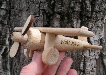 Drevené lietadlo hornoplošník | drevené hračky