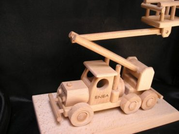 Montážna plošina | Zdvíhacia plošina | Zdvíhacie plošiny | drevené darčeky