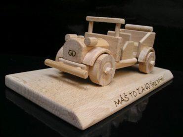 Drevené hračky, závodné autko + veterán auto | autoverán