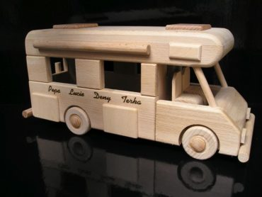 Karavan, obytné vozy, drevené hračky darček.