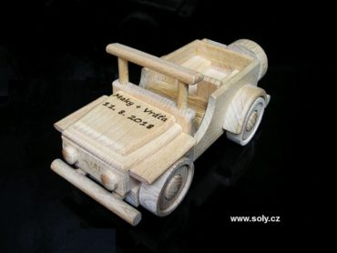 Jeep terénne autíčko z dreva | drevený vojenský darček