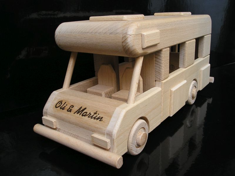 Karavan, obytné vozy, drevená hračka darček.