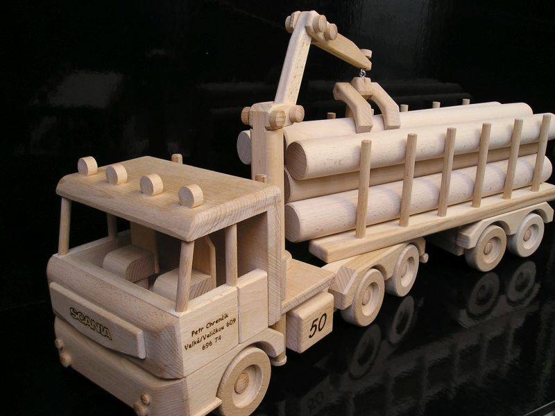 Prepravník dreva | lesné nákladné auto vozidlo