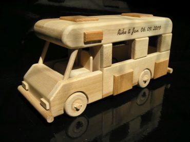 Karavany, obytný voz, drevená hračka darček.