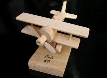 Lietadlo | drevený darček k narodeninám pre pilota