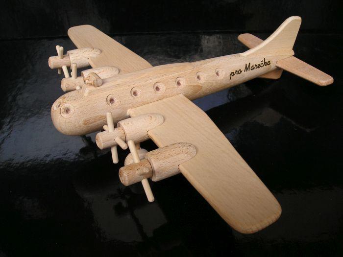 Drevené lietadlo Boeing, drevená hračka darček