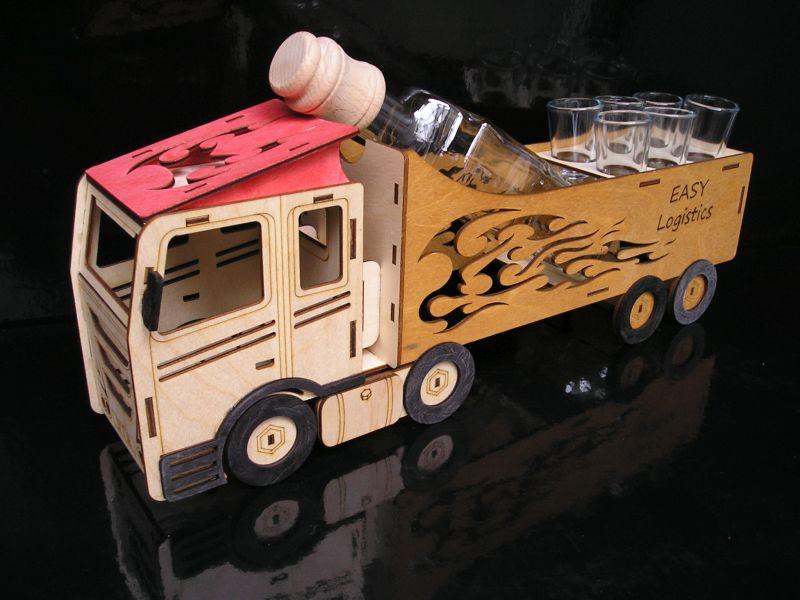 Darčeky fľaše na alklohol, sklo, kamión, truck, vodič