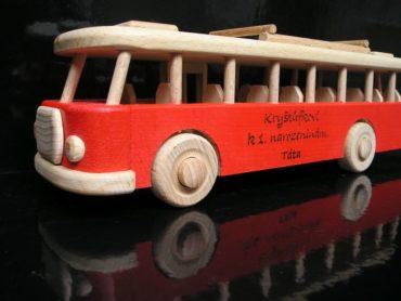Drevený autobus, darčeky pre vodiča, darčeky