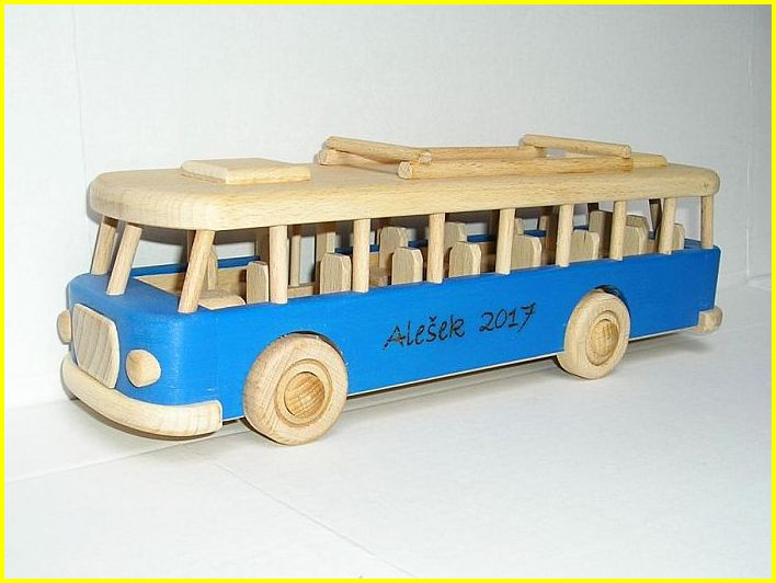 Autobus RTO hračka pre deti, drevené autobusy