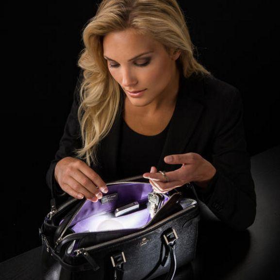 SOI. MAXI – automatická lampička do kabelky alebo na nočný stolík