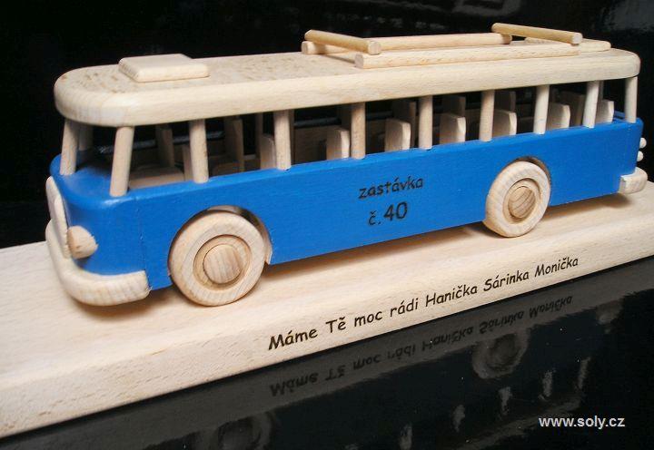 Autobus RTO | drevená hračka, drevený darček, červený