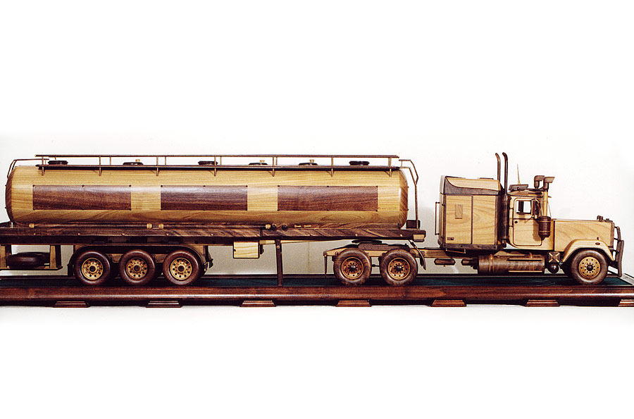 Mack truck kamion drevené modely vozidiel
