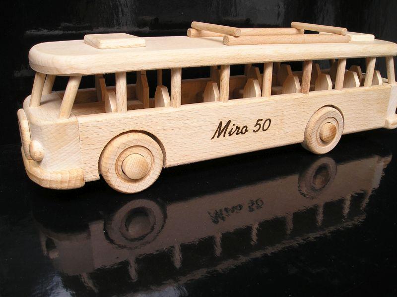Autobusy dreveny darček pre šoféra, vodičaPUS DIGITAL CAMERA