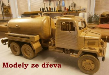 PV3S drevené modely vozidiel