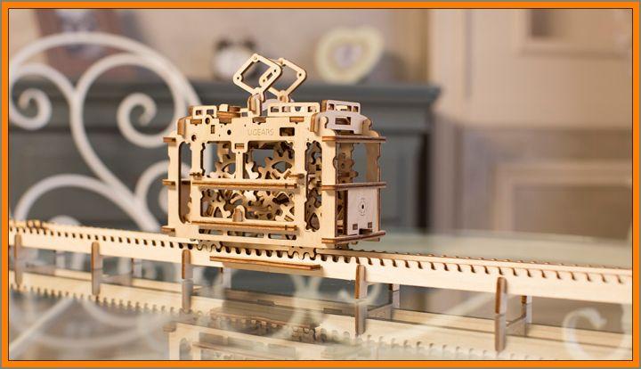 stavebnice-tramvaj Električka mechanická technické stavebnice, drevené hračky