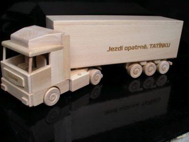 Víno, alkohol truck kamión   drevený darček pre vodiča kamiónu