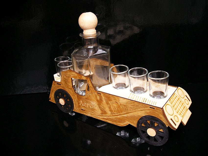 Darček veterán auto flaša